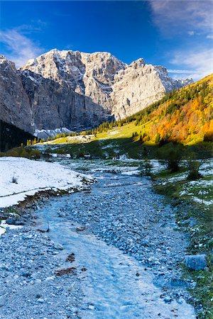 Creek with Karwendel Mountains in Autumn, Grosser Ahornboden, Alpine Park Karwendel, Tyrol, Austria Stock Photo - Premium Royalty-Free, Code: 600-07143678