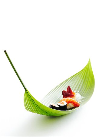 Sushi on bamboo leaf, studio shot Stock Photo - Premium Royalty-Free, Code: 600-07156134