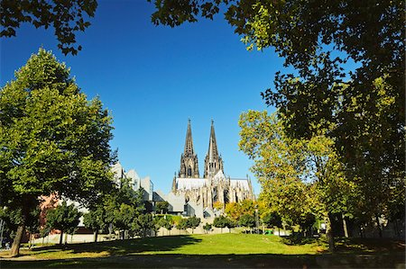 Cologne Cathedral, Cologne, North Rhine-Westphalia, Germany Stock Photo - Premium Royalty-Free, Code: 600-07199444