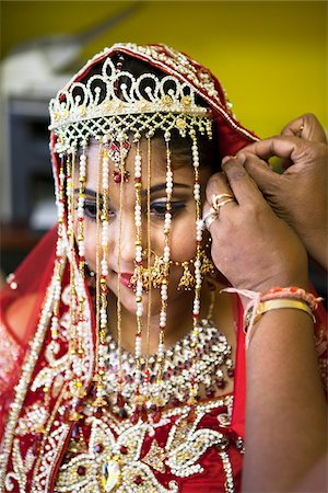 Hindu Woman getting ready for Wedding, Toronto, Ontario, Canada Stock Photo - Premium Royalty-Free, Code: 600-07204145