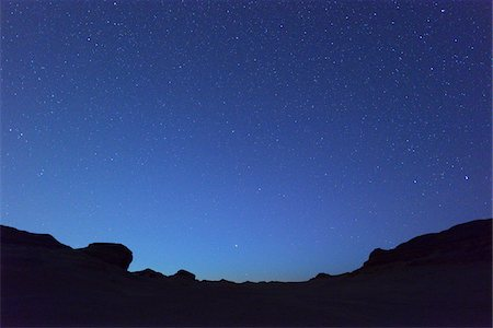 sky stars - Starry Sky in Desert at Night, Matruh Governorate, Libyan Desert, Sahara Desert, Egypt, Africa Stock Photo - Premium Royalty-Free, Code: 600-07279229