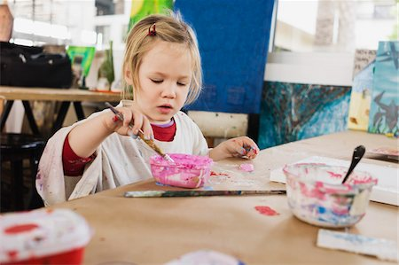 paint - Portrait of Girl Painting in Classroom Stock Photo - Premium Royalty-Free, Code: 600-07311308