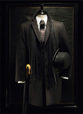 Mannequin with Men's Jacket, Bowler Hat, Scarf and Umbrella Stock Photo - Premium Royalty-Free, Code: 600-07434955