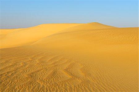 Overview of Sand Dunes, Matruh, Great Sand Sea, Libyan Desert, Sahara Desert, Egypt, North Africa, Africa Stock Photo - Premium Royalty-Free, Code: 600-07431215