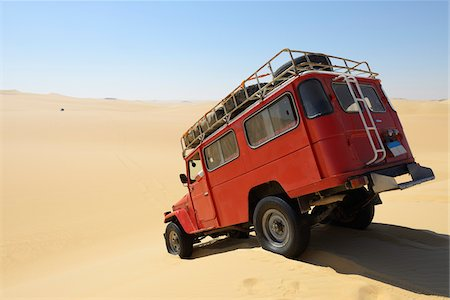 dry - Four Wheel Drive Car in Desert, Matruh, Great Sand Sea, Libyan Desert, Sahara Desert, Egypt, North Africa, Africa Stock Photo - Premium Royalty-Free, Code: 600-07431228