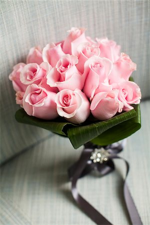 Close-up of Bouquet of Pink Roses Stock Photo - Premium Royalty-Free, Code: 600-07451037