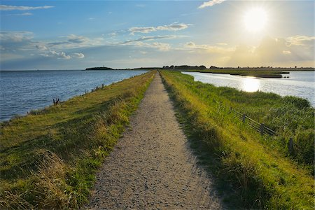 Dike Path, Sulsdorfer Wiek with Sun, Summer, Orth, Baltic Island of Fehmarn, Schleswig-Holstein, Germany Stock Photo - Premium Royalty-Free, Code: 600-07564059