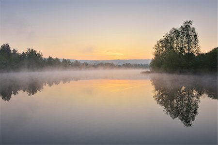 Lake at Dwan with Morning Mist, Spring, Mondfeld, Mainfranken, Franconia, Baden Wurttemberg, Germany Stock Photo - Premium Royalty-Free, Code: 600-07599945