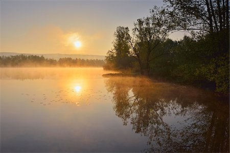 Lake at Sunrise in the Spring, Mondfeld, Mainfranken, Franconia, Baden Wurttemberg, Germany Stock Photo - Premium Royalty-Free, Code: 600-07599947
