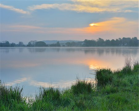 Lake at Sunrise, Ober-Moos, Grebenhain, Vogelsberg District, Hesse, Germany Stock Photo - Premium Royalty-Free, Code: 600-07599973