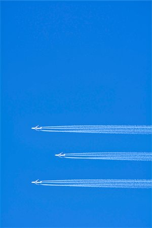 Airplanes with Contrail, Germany Stock Photo - Premium Royalty-Free, Code: 600-07674796