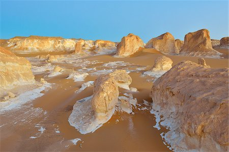 Rock Formations in White Desert, Libyan Desert, Sahara Desert, New Valley Governorate, Egypt Stock Photo - Premium Royalty-Free, Code: 600-07689519