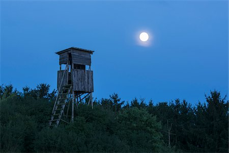 Hunting Blind with Full Moon, Odenwald, Hesse, Germany, Europe Stock Photo - Premium Royalty-Free, Code: 600-07707638