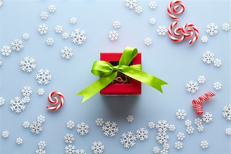 seasonal - Overhead View of Present with Snowflakes and Candy Cane Swirls, Studio Shot Stock Photo - Premium Royalty-Free, Code: 600-07783958