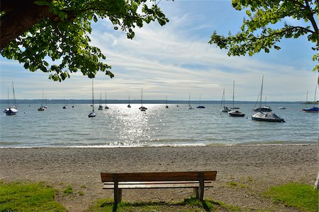 Lakeside with Bench and Tree, Herrsching am Ammersee, Lake Ammersee, Fuenfseenland, Upper Bavaria, Bavaria, Germany Stock Photo - Premium Royalty-Free, Code: 600-07844415