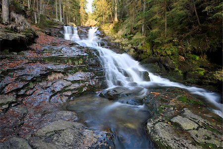 streams scenic nobody - Scenic view of waterfall and stream in autumn, Bavarian Forest Natonal Park, Bodenmais, Regen District, Bavaria, Germany Stock Photo - Premium Royalty-Free, Code: 600-07911214