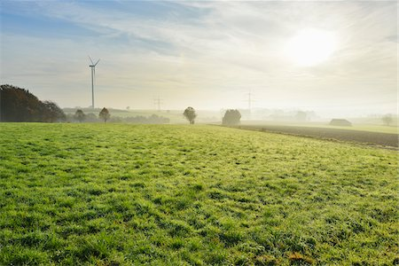 scenic - Countryside in Morning with Sun, Freiensteinau, Vogelsbergkreis, Hesse, Germany Stock Photo - Premium Royalty-Free, Code: 600-07945044