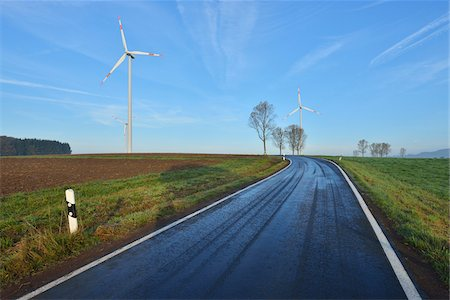 Country Road in Morning with Wind Turbines, Freiensteinau, Vogelsbergkreis, Hesse, Germany Stock Photo - Premium Royalty-Free, Code: 600-07945041