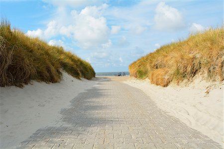 Path through the Dunes to the Beach, Summer, Norderney, East Frisia Island, North Sea, Lower Saxony, Germany Stock Photo - Premium Royalty-Free, Code: 600-07945268