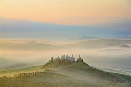 Podere Belvedere near San Quirico d'Orcia at Sunrise, Val d'Orcia, Siena, Tuscany, Italy Stock Photo - Premium Royalty-Free, Code: 600-07966034