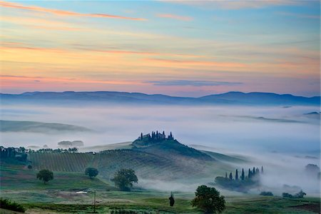 Podere Belvedere near San Quirico d'Orcia at Sunrise, Val d'Orcia, Siena, Tuscany, Italy Stock Photo - Premium Royalty-Free, Code: 600-07966039