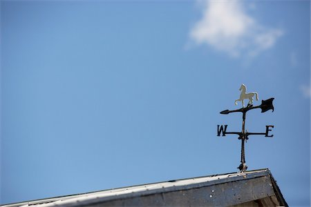 Weather Vane on Roof and Blue Sky, Niagara-on-the-Lake, Ontario, Canada Stock Photo - Premium Royalty-Free, Code: 600-07966161