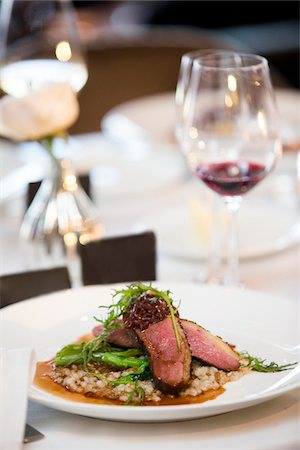 Beef with Arugula and Asparagus on Barley at Wedding Reception Stock Photo - Premium Royalty-Free, Code: 600-07991588