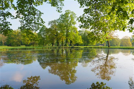 season - Lake in Spring, Park Schonbusch, Aschaffenburg, Lower Franconia, Bavaria, Germany Stock Photo - Premium Royalty-Free, Code: 600-08007022
