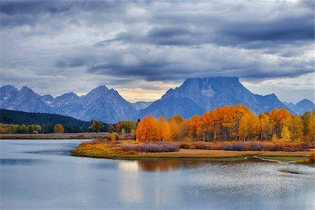 season - Oxbow Bend on Snake River with Mount Moran in Autumn, Grand Teton Mountains, Grand Teton National Park, Jackson, Wyoming, USA Stock Photo - Premium Royalty-Free, Code: 600-08002241