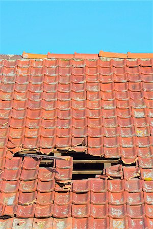 Close-up of broken roof of an Old Barn, Hesse, Germany Stock Photo - Premium Royalty-Free, Code: 600-08002600