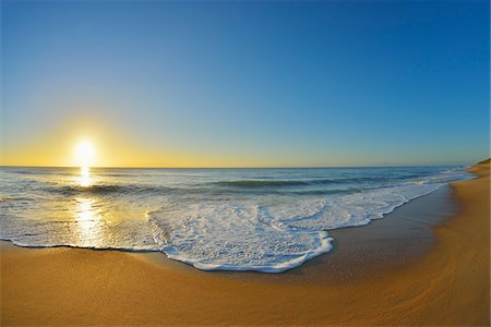 Sandy Beach at Sunrise, Paradise Beach, Ninety Mile Beach, Victoria, Australia Stock Photo - Premium Royalty-Free, Code: 600-08026031