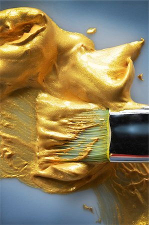 Close-up of Paint Brush in Gold Paint, Studio Shot Stock Photo - Premium Royalty-Free, Code: 600-08026130