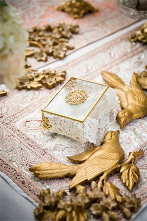 decoration - Golden Birds and Box on Sofre-ye-Aghd at Persian Wedding Ceremony Stock Photo - Premium Royalty-Free, Code: 600-08059977