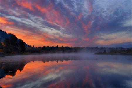 season - Snake River at Sunrise near Oxbow Bend, Grand Teton National Park, Wyoming, USA Stock Photo - Premium Royalty-Free, Code: 600-08082876