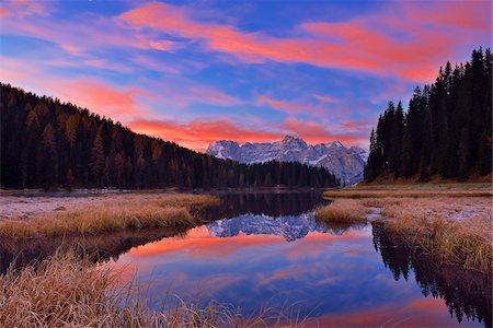 season - Misurina Lake with Sorapis at Sunrise in Autumn, Cadore, Belluno District, Veneto, Dolomites, Alps, Italy Stock Photo - Premium Royalty-Free, Code: 600-08082938