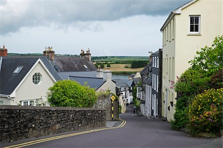 quaint - Street scene of fishing town of Kinsale, Republic of Ireland Stock Photo - Premium Royalty-Free, Code: 600-08102769