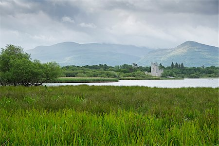 Scenic view of Ross Castle, Killarney National Park, County Kerry, Republic of  Ireland Stockbilder - Premium RF Lizenzfrei, Bildnummer: 600-08102761