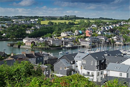 Scenic view of fishing town of Kinsale, Republic of Ireland Stock Photo - Premium Royalty-Free, Code: 600-08102770