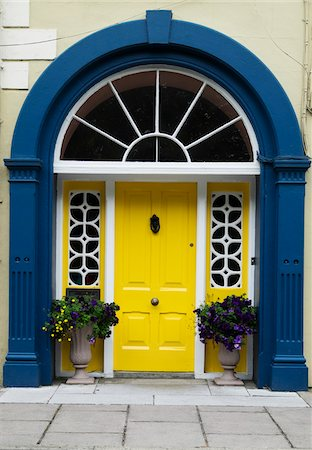 quaint house - Close-up of doorway, Clonakilty, Republic of Ireland Stock Photo - Premium Royalty-Free, Code: 600-08102771