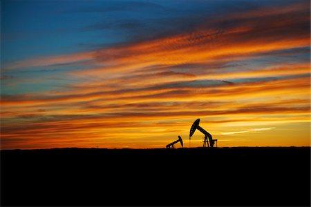 Pump Jacks in Oilfield, Saskatchewan, Canada Stock Photo - Premium Royalty-Free, Code: 600-08102824
