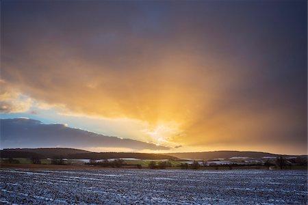 Field Landscape at Sunrise in the Winter, Dietersdorf, Coburg, Bavaria, Germany Stock Photo - Premium Royalty-Free, Code: 600-08353447