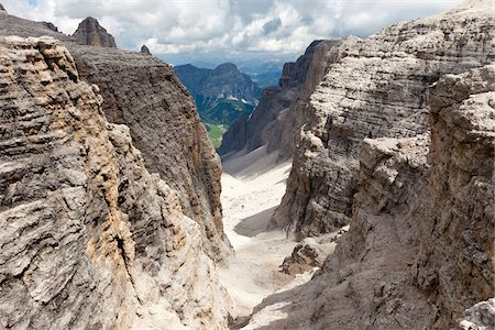 extreme terrain - Scenic view of the wild Val Mesdi (Midday Valley) in the Sella Group, Dolomites, Trentino Alto Adige, Italy Stock Photo - Premium Royalty-Free, Code: 600-08386019