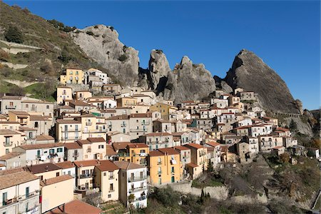 Scenic view of Castelmezzano, (famous for the Flight of the Angel zipwire ride over the valley), Basilicata, Italy Stock Photo - Premium Royalty-Free, Code: 600-08416765