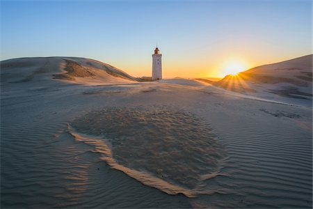 Lighthouse and Dunes, Rubjerg Knude at Sunset, Lokken, North Jutland, Denmark Photographie de stock - Premium Libres de Droits, Code: 600-08512545
