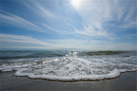 Baltic Sea Beach with Sun, Katholm Beach, Grenaa, East Jutland, Denmark Stock Photo - Premium Royalty-Free, Code: 600-08512573