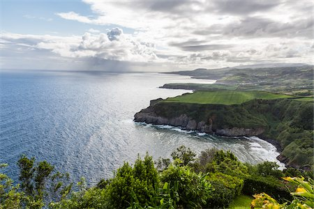 portugal - View along Steep Coast from Miradouro de Santa Iria, Porto Formoso, Sao Miguel Island, Azores, Portugal Stock Photo - Premium Royalty-Free, Code: 600-08540120