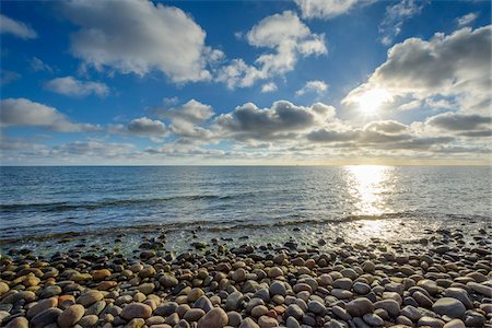 space - Sky with Clouds and Sun over pebble Beach, Summer, Sealands Odde, Odsherred, Baltic Sea, Zealand, Denmark Stock Photo - Premium Royalty-Free, Code: 600-08578848