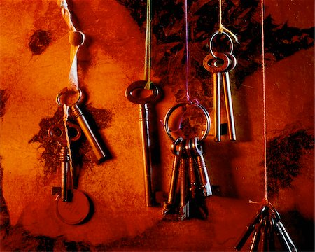 Hanging Skeleton Keys Stock Photo - Premium Royalty-Free, Code: 600-00015694