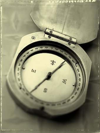 still life - Close-Up of Compass Stock Photo - Premium Royalty-Free, Code: 600-00046487