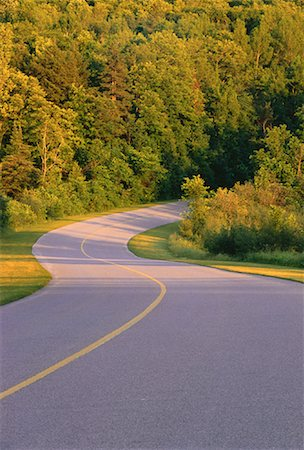 road landscape - Road and Trees, Gatineau Parkway, Gatineau Park, Quebec, Canada Stock Photo - Premium Royalty-Free, Code: 600-00048821